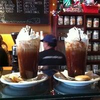 Foto tirada no(a) Empire Cafe por Matthew C. em 12/31/2012