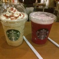 Photo taken at Starbucks by Irwan D. on 11/15/2012