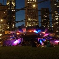 รูปภาพถ่ายที่ Jay Pritzker Pavilion โดย Christopher R. เมื่อ 6/9/2012