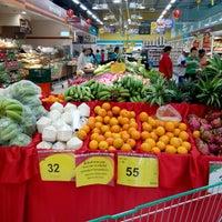 Photo taken at Tesco Lotus Supermarket by Mountain E. on 8/9/2014