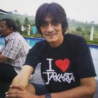 Photo taken at Villa Omah Gunung Puncak by Omm P. on 11/23/2015