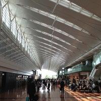 Photo taken at Tokyo (Haneda) International Airport (HND) by Shuhei T. on 6/4/2013