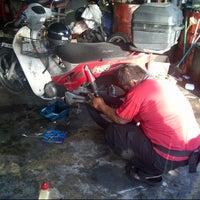 Photo taken at Bengkel Motor Sai Keong by Harris H. on 2/2/2013