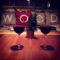 Снимок сделан в Wood Bar пользователем Ksenia D. 12/15/2012