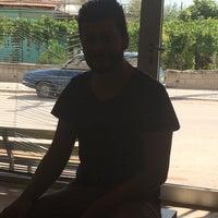 Photo taken at Özcan Kuaför Güzellik Salonu by Drew T. on 6/15/2017