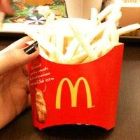รูปภาพถ่ายที่ McDonald's โดย Caroline N. เมื่อ 1/19/2013