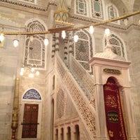 Das Foto wurde bei Edirnekapı Mihrimah-Sultan-Moschee von Aydan X. am 7/9/2013 aufgenommen