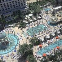 Photo prise au Caesars Palace Hotel & Casino par Tyler S. le6/1/2013