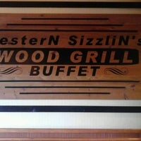 Photo taken at Wood Grill Buffet by Wendy F. on 1/16/2013