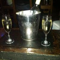 Foto tirada no(a) Macondo Bar por jose l. em 12/30/2012