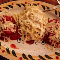 Photo taken at Olive Garden by H on 9/27/2013
