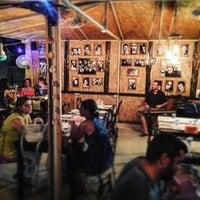 8/23/2017 tarihinde Aslı A.ziyaretçi tarafından Piraye Meyhane'de çekilen fotoğraf