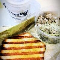 9/11/2014 tarihinde Dina Marieziyaretçi tarafından The Sandwich Guy'de çekilen fotoğraf