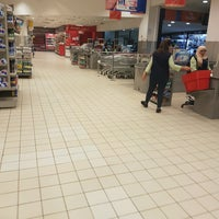 Photo taken at Carrefour Market - Lafayette by Zyed on 2/19/2017
