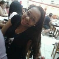 Foto diambil di Esfiha Chic oleh Ingrid C. pada 12/21/2012