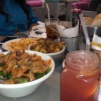Foto scattata a Caracas Lebanese Cuisine & Cafe da Mesho🍍 il 8/31/2018
