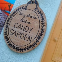 Photo prise au Büyükada Bistro Candy Garden par Duygu K. le4/8/2018