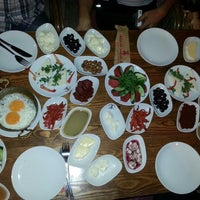 7/13/2013 tarihinde Ali Ç.ziyaretçi tarafından Alaçatı Sakızlı Kahve'de çekilen fotoğraf