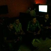 Снимок сделан в Sial Playstation пользователем Taner K. 7/17/2013
