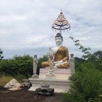Photo taken at วัดสามัคคีบรรพต ต.บางเสร่ อ.สัตหีบ by Puied U. on 8/6/2016