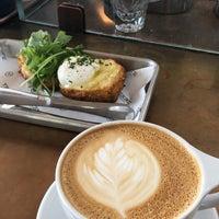 Photo prise au Verve Coffee Roasters par Rahaf ㅤ. le9/3/2018