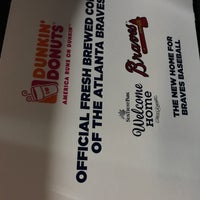Photo taken at Dunkin' Donuts by Lindy F. on 6/25/2017