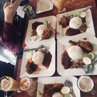 Photo taken at Sri Gemilang Cafe by Rafiqah R. on 10/1/2017