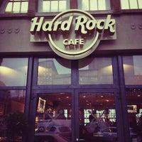 Das Foto wurde bei Hard Rock Cafe von Canan C. am 2/16/2013 aufgenommen