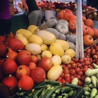 Photo taken at Fort Mason Farmers' Market by Keegan Y. on 9/16/2012