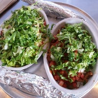 Photo taken at Chipotle Mexican Grill by Subi J. on 8/2/2016