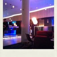 Das Foto wurde bei H2O Restaurant im Scandic Hamburg Emporio von Arno H. am 2/7/2014 aufgenommen