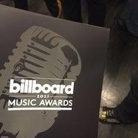 Photo taken at Billboard Music Awards by Linda A. on 5/17/2015