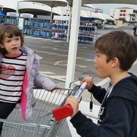 Photo taken at Carrefour Contact Marché Le Crès by Longboard34 D. on 3/18/2015
