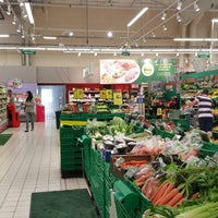 Photo taken at Carrefour Contact Marché Le Crès by Longboard34 D. on 4/29/2014