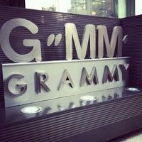 Photo taken at ARATiST Business Unit, GMM Grammy Plc. | สายงานอราทิส บมจ.จีเอ็มเอ็มแกรมมี่ by Nobbi C. on 1/30/2013