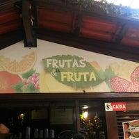 Foto tirada no(a) Kioske Frutas Da Fruta Mercadao por Marcos S. em 4/7/2013
