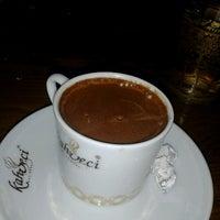 12/14/2012 tarihinde Furkan K.ziyaretçi tarafından Kahveci Hacıbaba'de çekilen fotoğraf