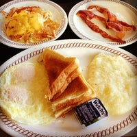 Photo taken at Waffle House by Kaizen F. on 3/15/2013
