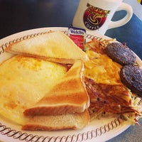 Photo taken at Waffle House by Kaizen F. on 5/10/2014
