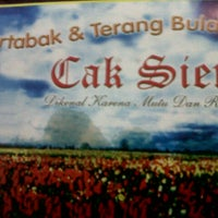 Photo taken at Martabak dan Terang Bulan Cak Sien by Fahira O. on 12/12/2012