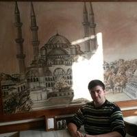 Foto tirada no(a) Sultan Ahmet Koftecisi por Ertuğrul T. em 12/3/2014
