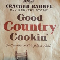 Photo taken at Cracker Barrel Old Country Store by 💕Gigi S. on 1/6/2013