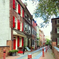 Photo taken at Elfreth's Alley Museum by Garrett H. on 10/5/2014