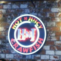 Photo taken at Hot N Juicy Crawfish by Paula S. on 2/11/2013
