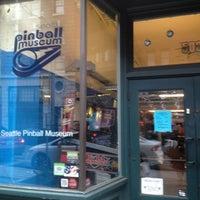 Foto tirada no(a) Seattle Pinball Museum por Jia S. em 1/5/2013