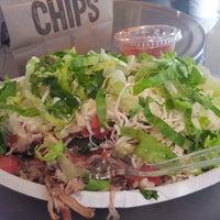 12/12/2012 tarihinde Erica H.ziyaretçi tarafından Chipotle Mexican Grill'de çekilen fotoğraf