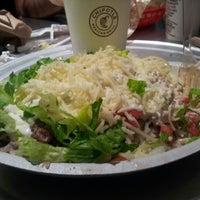 12/20/2012 tarihinde Erica H.ziyaretçi tarafından Chipotle Mexican Grill'de çekilen fotoğraf