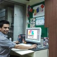 Foto diambil di Jigserv Digital HQ oleh Nin M. pada 10/20/2012