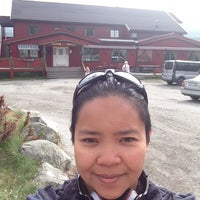 Photo taken at Tyinkrysset Fjellstue by Honeylee R. on 7/27/2013