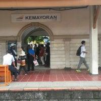 Photo taken at Stasiun Kemayoran by Merlina Q. on 4/2/2014